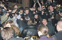 State_of_f_union_madonna_paparazzi_frenz