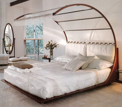 Stylehive_canopy_bed