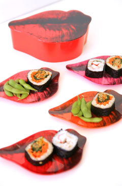 Urban_andy_warhol_lip_plates_with_sushi