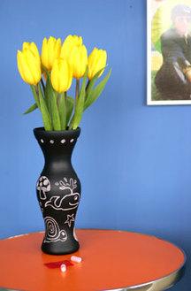 Urban_chalki_vase_with_flowers