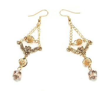 Very_designer_earrings_1
