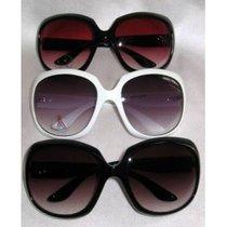 Victoria_b_sunglasses